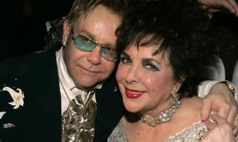 Ο Elton John και άλλοι σταρ της σόουμπιζ μιλούν για την Taylor