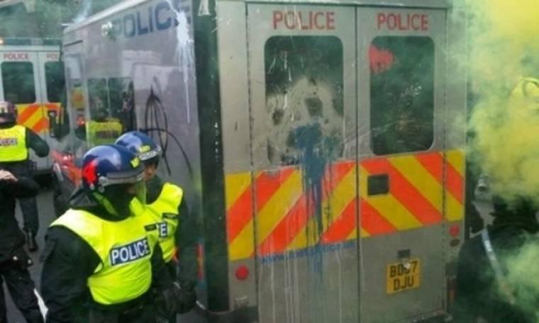 Βίαιες συγκρούσεις αστυνομίας-διαδηλωτών στο Λονδίνο