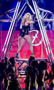 Η σέξι εμφάνιση της Britney στο Good Morning America