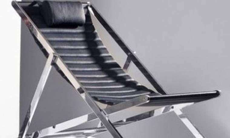 Μια πολυτελής καρέκλα καταστρώματος αποκλειστικά για σαλόνια