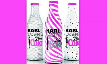 O Karl Lagerfeld ξανασχεδιάζει για την Coca Cola
