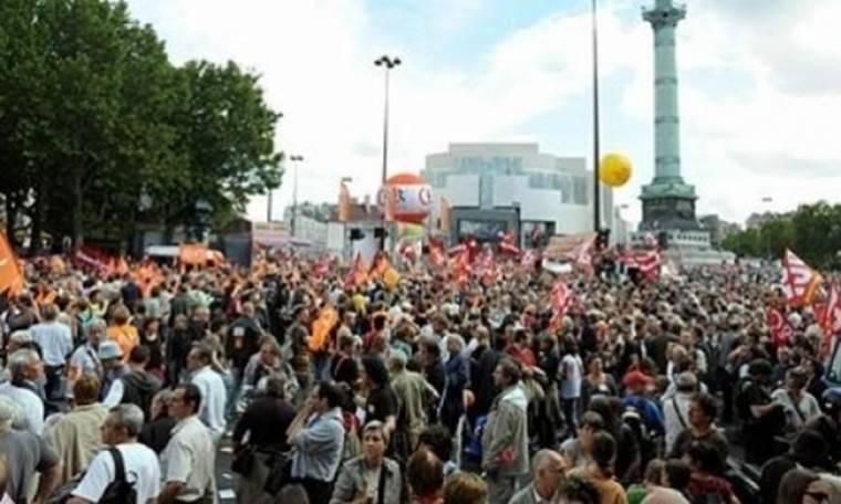 Μεγαλειώδης διαδήλωση στο Παρίσι