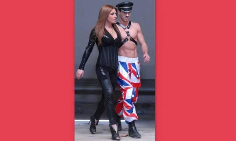 Backstage φωτογραφίες από το νέο video clip της Έλενας Παπαρίζου