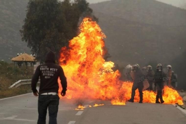Τραυματίες και συλλήψεις στην Κερατέα-Άνοιξε η Λαυρίου