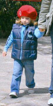Αννίτα Πάνια: Βόλτα με το γιο της στη Κηφισιά
