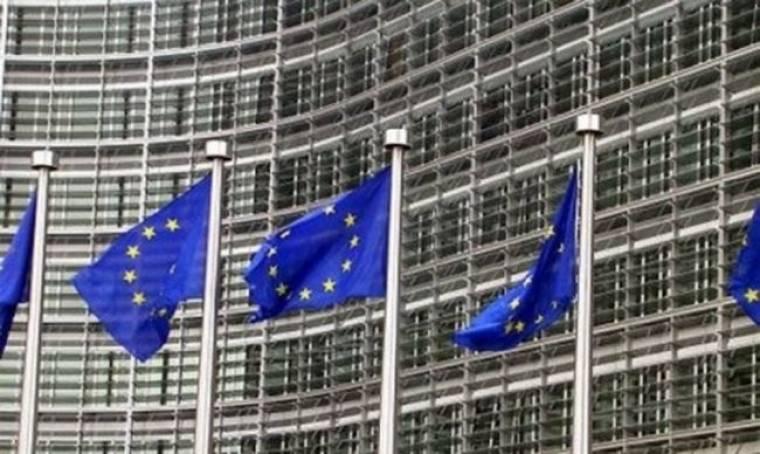 Οι Βρυξέλλες απειλούν την Αθήνα με τη δόση του δανείου των 110 δισ. ευρώ