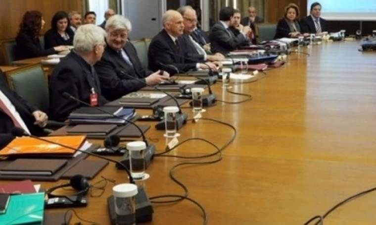 """Έκτακτη σύσκεψη για τα """"καυτά"""" μέτρα"""