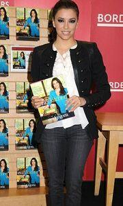Η Eva προωθεί το βιβλίο της