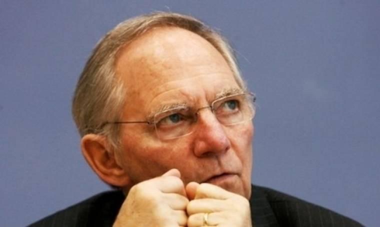 "Schaeuble: 'H πορεία της Ελλάδας θα πρέπει να είναι υπό στενή παρακολούθηση"""