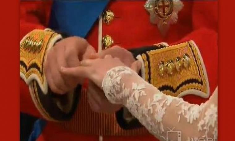 Δεν έμπαινε η βέρα στο χέρι της Kate Middleton!