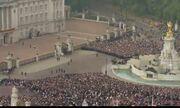 Video: Kate Middleton-William: Όχι ένα αλλά… δύο φιλιά έδωσαν!