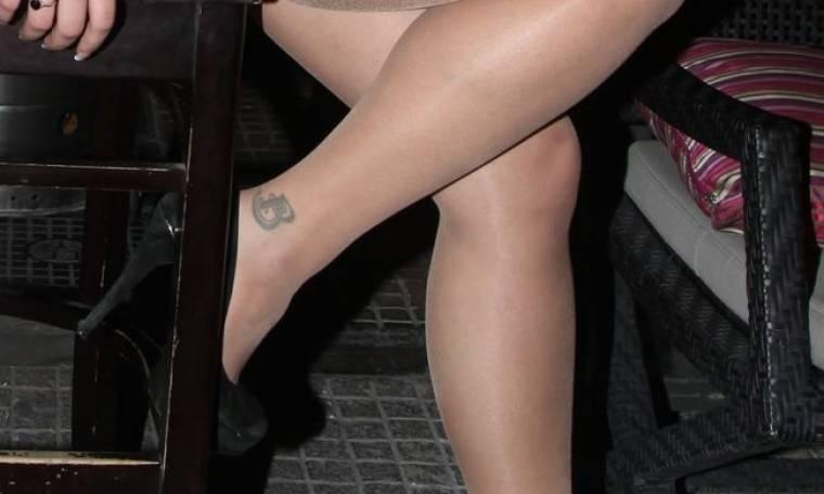 Σε ποια sexy επώνυμη ανήκει αυτό το tattoo;