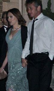 Penn – Johansson: Πιασμένοι χέρι-χέρι στο δείπνο του Obama