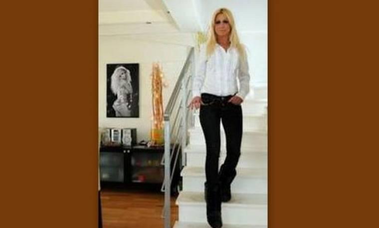 Στέλλα Μπεζαντάκου: «Αν ήθελα, θα ήμουν η πρώτη κυρία των βορείων προαστίων»