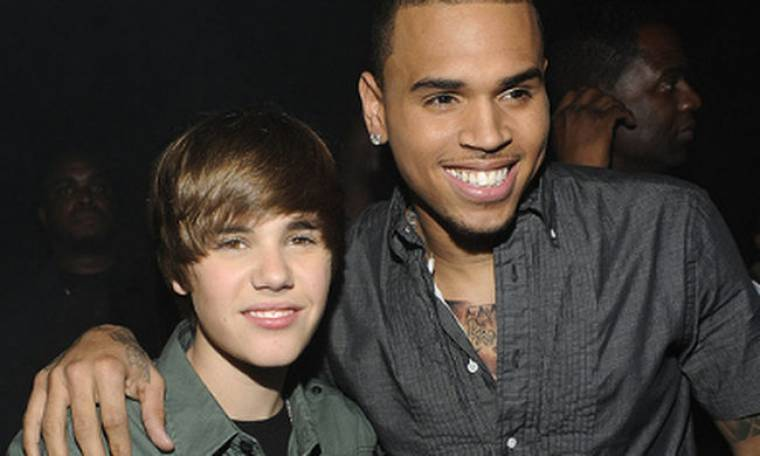 Video: Justin Bieber και Chris Brown τραγουδάνε μαζί on stage