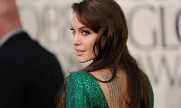 H Angelina Jolie δεν συμπαθεί ιδιαίτερα τη… φωνή της
