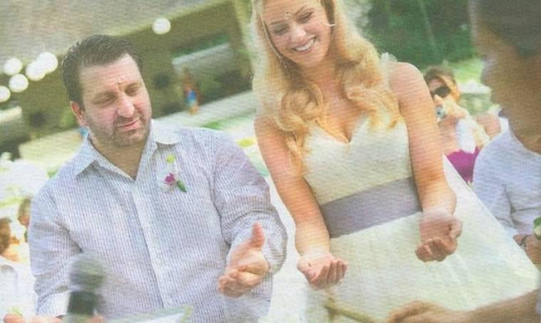 Νέες φωτογραφίες από τον γάμο Λούβαρη-Ντάφλα