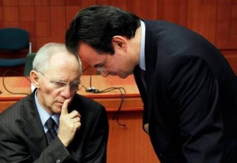 Κατηγορηματικό «όχι» Σόιμπλε σε αίτημα βουλευτών για έξοδο της Ελλάδας από το ευρώ