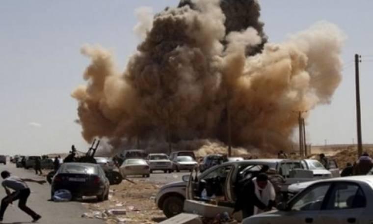 Εκρήξεις κοντά στην κατοικία του Καντάφι