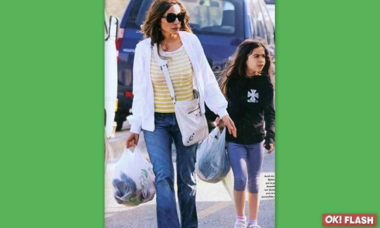 Δέσποινα Βανδή: Στη λαϊκή αγορά με την κόρη της