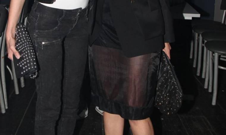 Ποια επώνυμη φόρεσε αυτή τη διάφανη φούστα;
