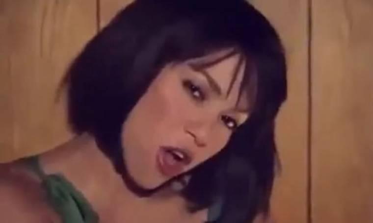 Αγνώριστη η Shakira στο νέο της videoclip!