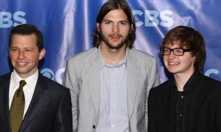Μόνο για ένα χρόνο το συμβόλαιο του Ashton Kutcher