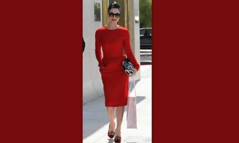 Dita von Teese: Η γυναικάρα με τα κόκκινα
