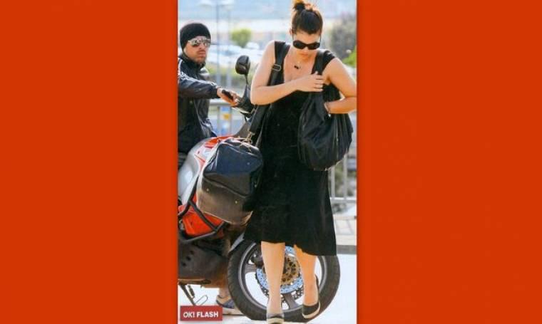 Mαρία Κορινθίου-Γιάννης Αιβάζης: Aγκαλιά στο αεροδρόμιο