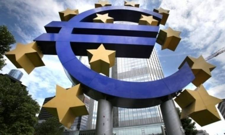 "Independent: Η ευρωζώνη αντιμέτωπη με τέσσερις ""αδύνατες"" λύσεις"