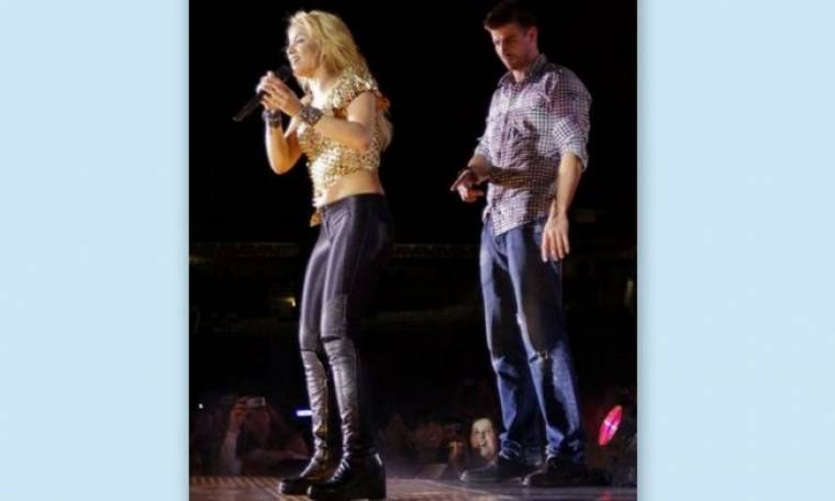 Video: Ο Pique χαζεύει τα οπίσθια της Shakira!
