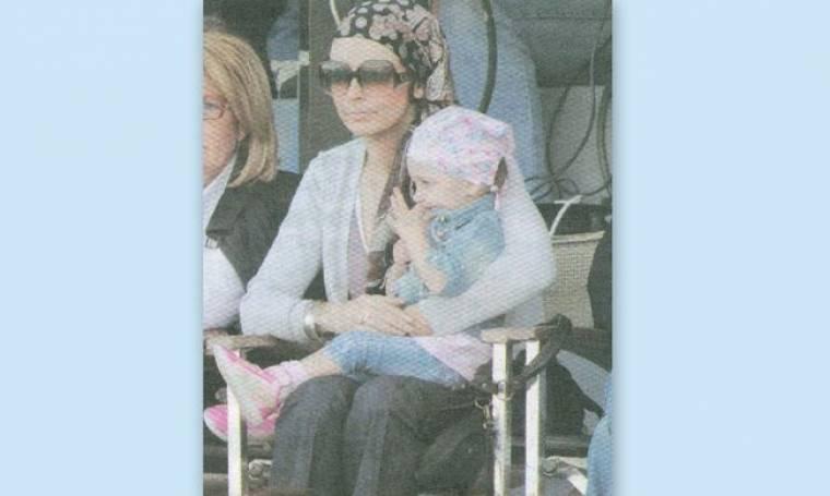 Μπέττυ Μαγγίρα: Με την κόρη της στην εξέδρα