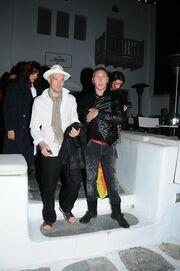 Καλοκαιρινές βουτιές στην Μύκονο για τον Freddie Ljungberg
