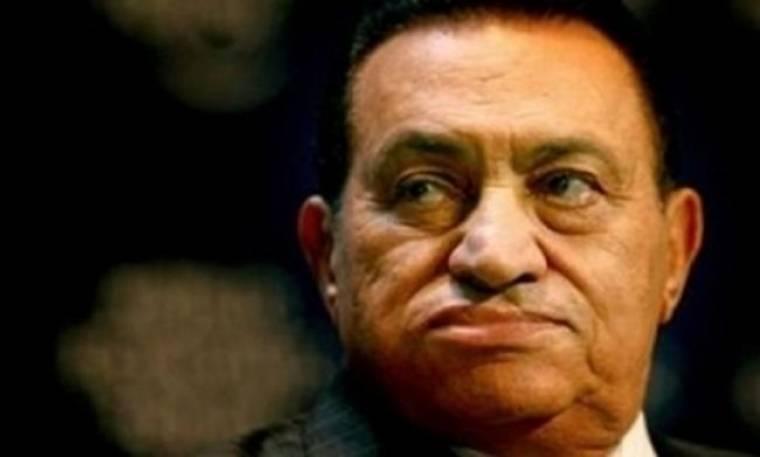 Δεν μεταφέρεται ο Μουμπάρακ στη φυλακή