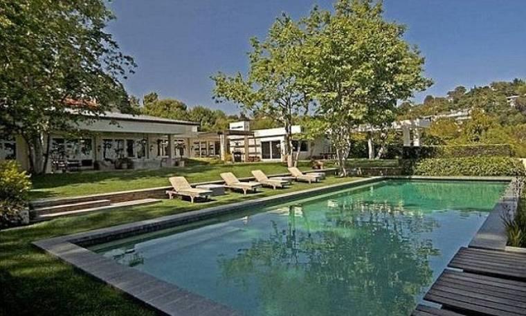 Ellen-Portia: Προς πώληση το σπίτι τους