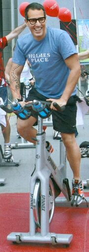 Δυναμικό «Spinning Marathon» με celebrities