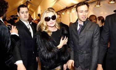 O Galliano και το νυφικό της Kate