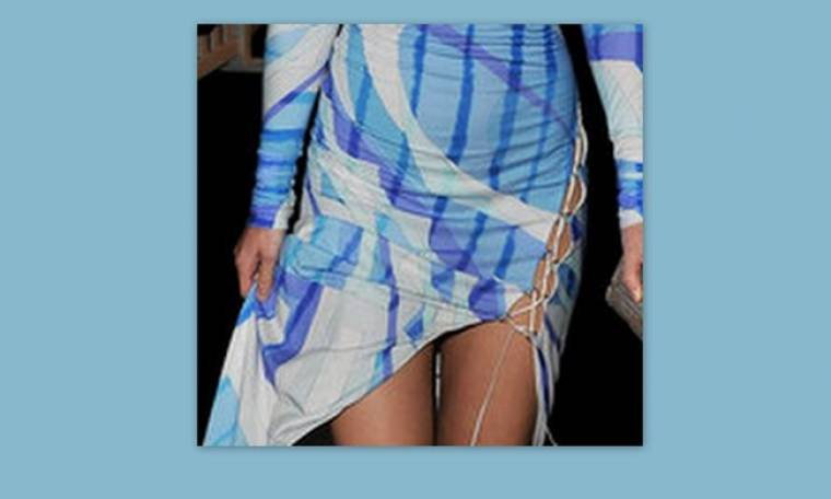 Ποια διάσημη Ελληνίδα φόρεσε αυτό το αποκαλυπτικό φόρεμα;