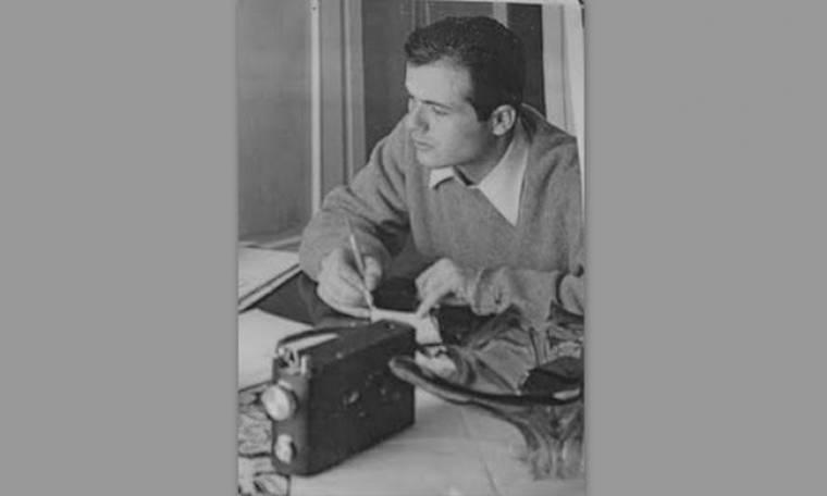 Αναγνωρίζετε τον δημοσιογράφο της φωτογραφίας;