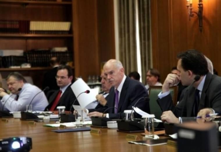 """Έντονες διεργασίες για το Μεσοπρόθεσμο και την """"υποδοχή"""" του στο ΠΑΣΟΚ"""