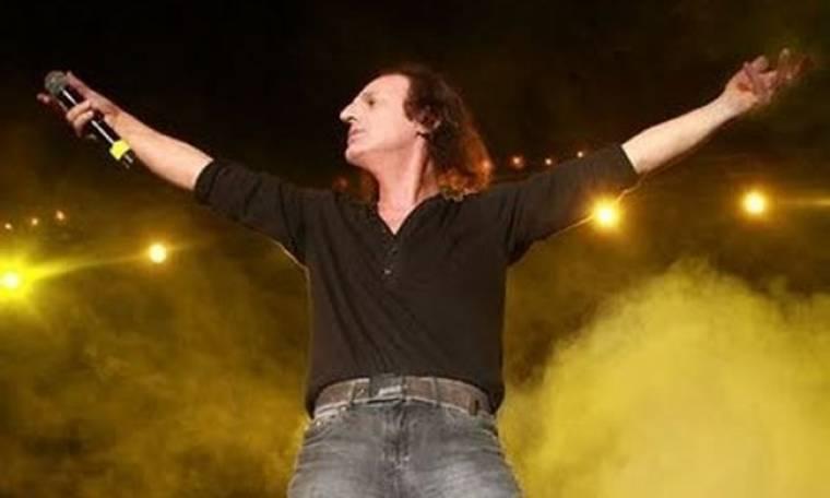 """Βασίλης Παπακωνσταντίνου: Ετοιμάζει συναυλία για τους """"Αγανακτισμένους"""""""