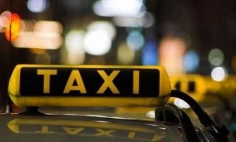 Μετέφερε τουρίστες με «πειρατικό» ταξί