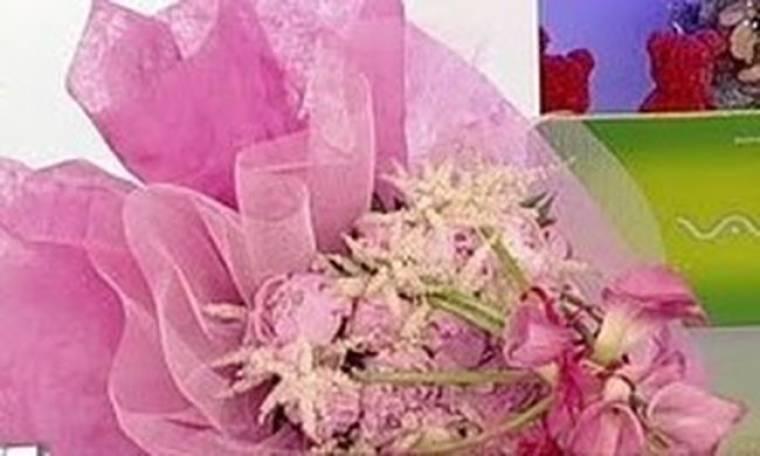 Video: Ποιος έστειλε λουλούδια σήμερα το πρωί στην Ελεονώρα;