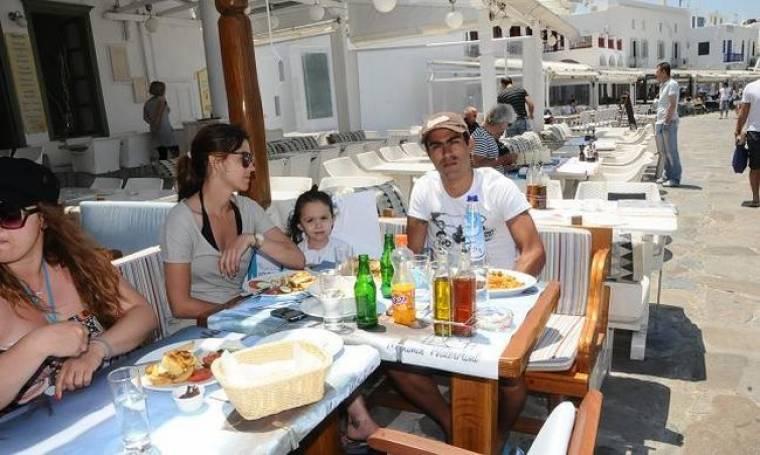 Οικογενειακές διακοπές στην Μύκονο για τον Νέρι Καστίγιο