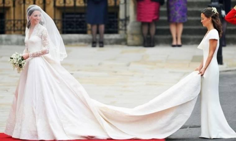 Το νυφικό της Μiddleton θα εκτεθεί στο παλάτι του Μπάκιγχαμ