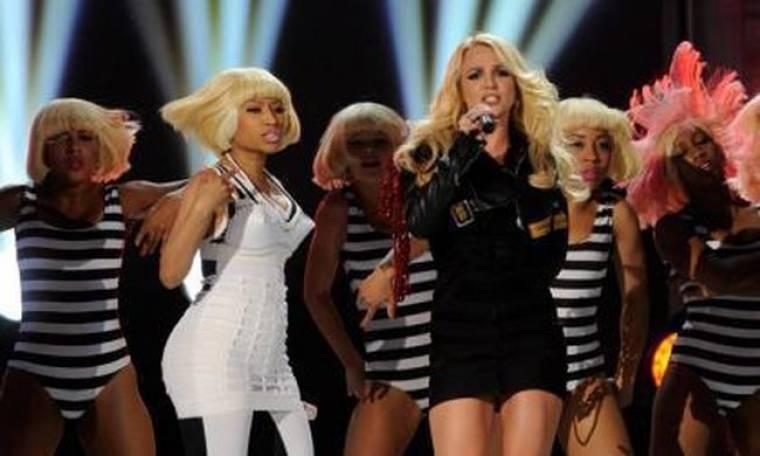 Video: Η Britney Spears μας ξεναγεί στην σκηνή της περιοδείας της