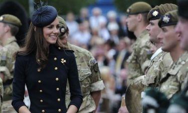 Η Δούκισσα του Cambridge αναλαμβάνει τα βασιλικά της καθήκοντα!