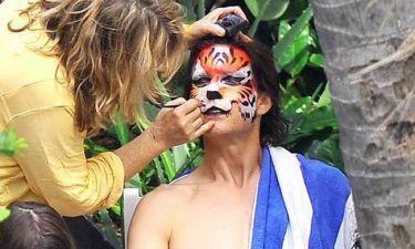 Ποιος γνωστός ηθοποιός κρύβεται κάτω από την τίγρη;