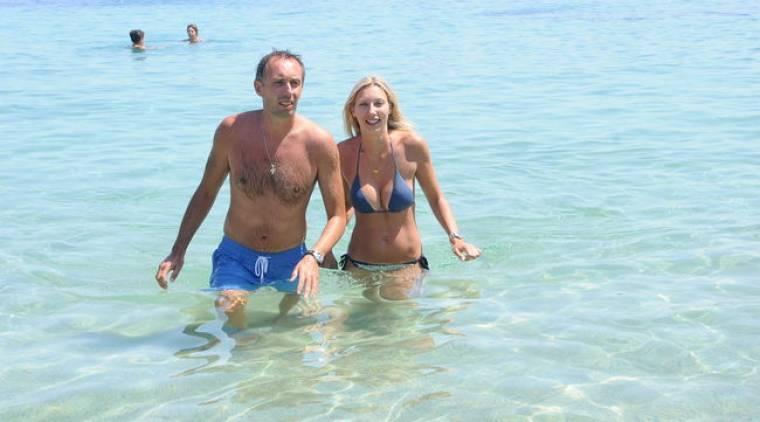 Μίλαν Τόμιτς: Ξέγνοιαστες στιγμές στη θάλασσα