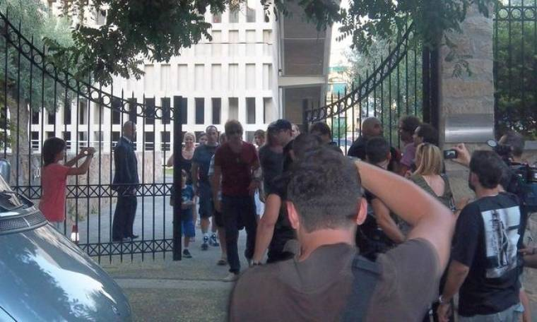 Οι μισοί Bon Jovi στο Μουσείο της Ακρόπολης
